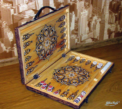https://www.etsy.com/listing/563017893/backgammon-suitcase-hand-painted-arabic?ref=teams_post