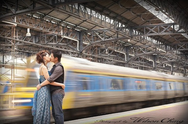 train moving wedding photo