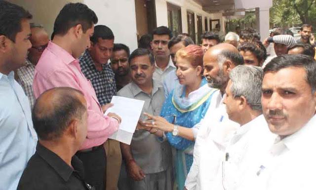 Ino workers in Faridabad handed over memorandum regarding public issues