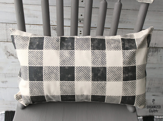 Buffalo Check Stenciled Pillow Cover #Oldsignstencils #buffalocheck #buffaloplaid #stencil #HobbyLobby