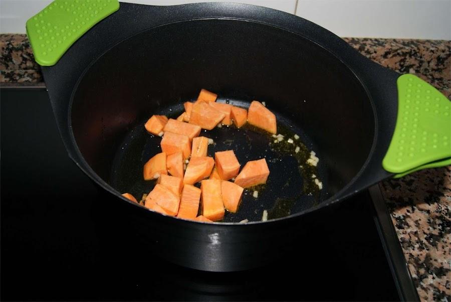 Sopa de frutos del mar paso 1