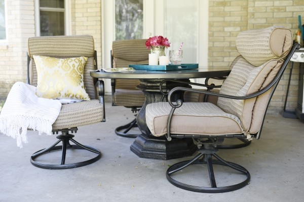 This blogger wrote an easy, straight forward tutorial on how to make a faded patio set look like new. The project only takes about 2-3 hours.