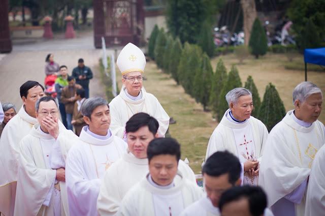 Lễ truyền chức Phó tế và Linh mục tại Giáo phận Lạng Sơn Cao Bằng 27.12.2017 - Ảnh minh hoạ 60