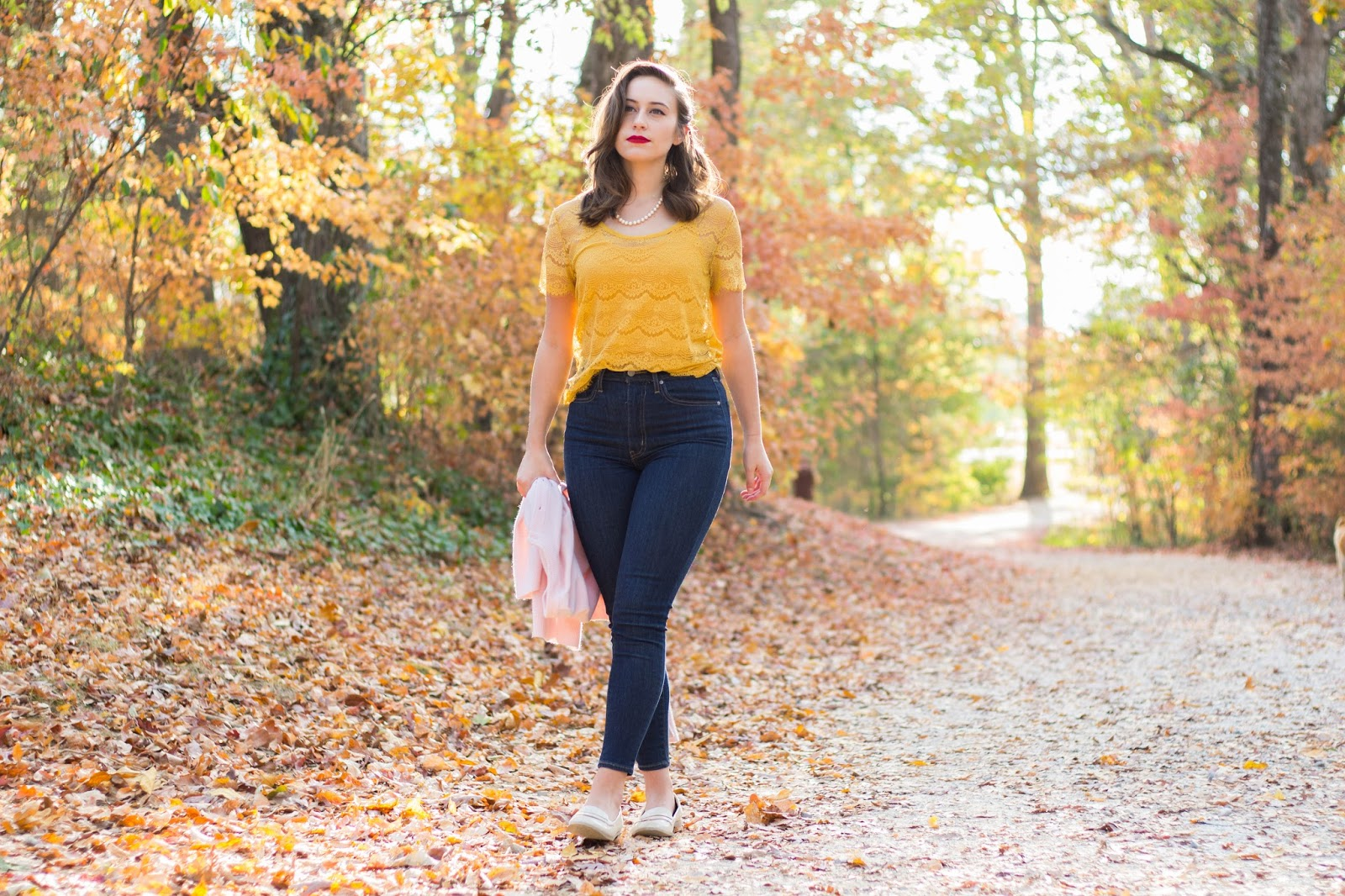 classic style, fall style, fall outfit, vintage style, levis, high waisted jeans, mile high jeans, fossil lace top, forever 21 loafers, classic makeup, old hollywood style, hollywood glamour makeup and hair, fashion