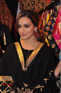 Bollywood Actress Sana Khan Launches Aakrithi Exibition  0125.JPG