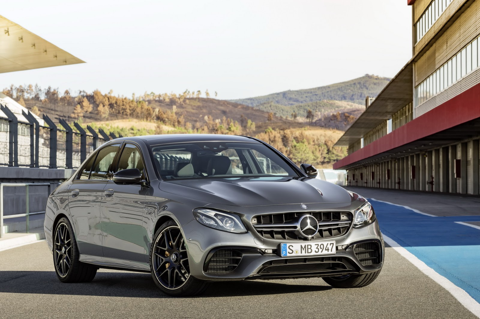 2018 mercedes amg e63 e63 s get up to 603hp hit 62mph for Mercedes benz e63s