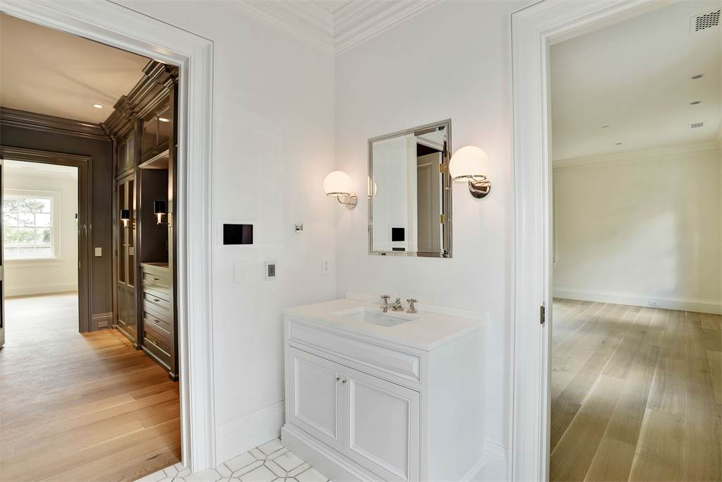 Bathroom Washington DC luxury mansion Kalorama regency style limestone