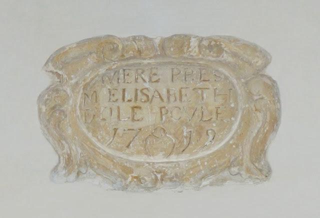 Photo Cloître Hospice d'Havré, Tourcoing - Cartouche de la galerie