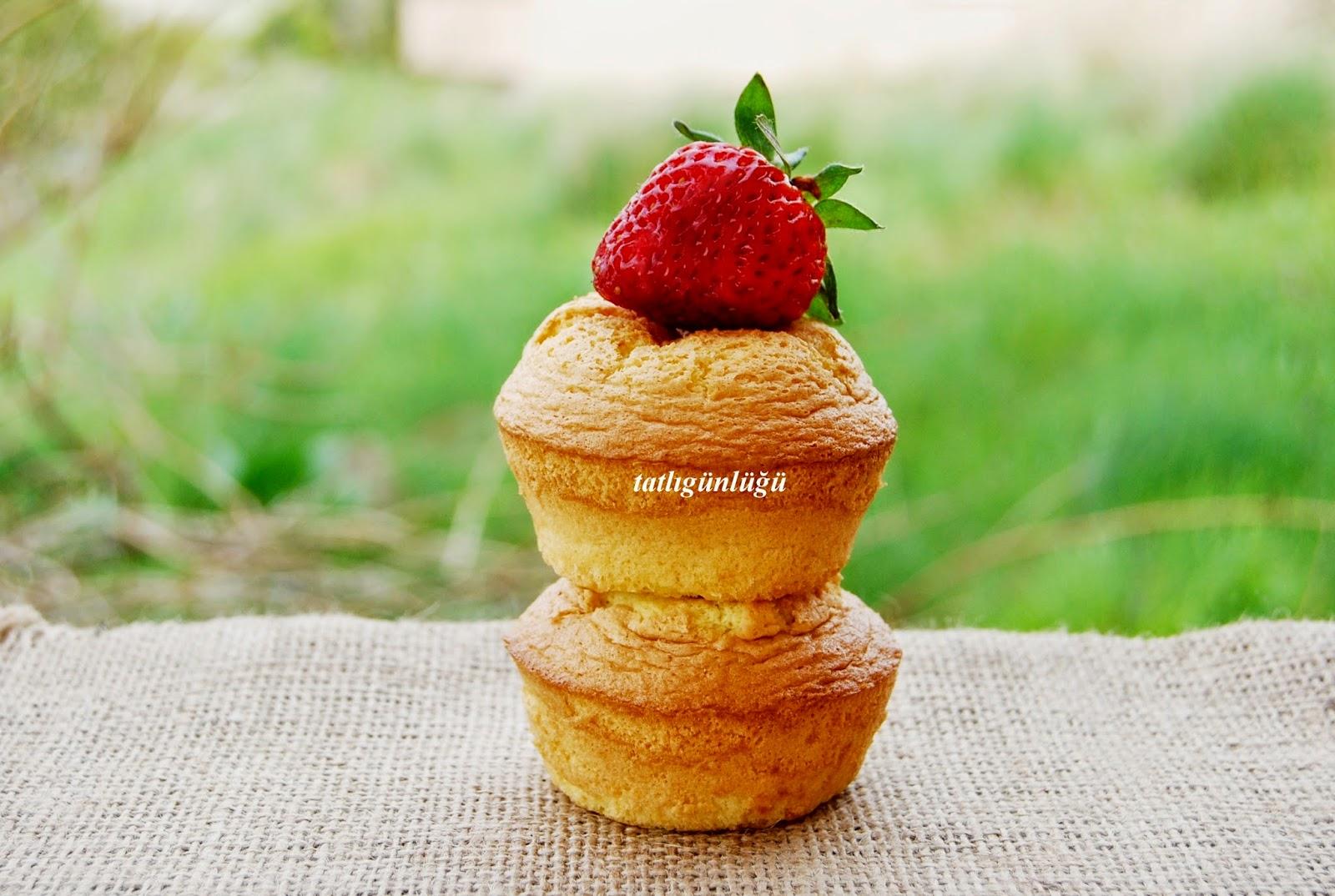 Meyveli Mini Kekler