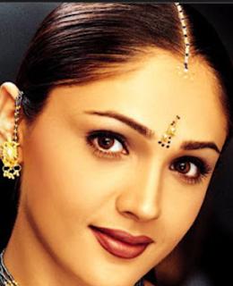 Sandali Sinha movies, husband, marriage, kids, hot, family, biography, marriage photos, husband photos, wiki