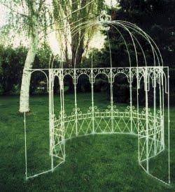 Arredamento in ferro battuto for Arredo giardino ferro battuto