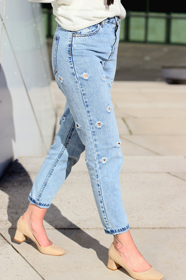 mom jeans and heals
