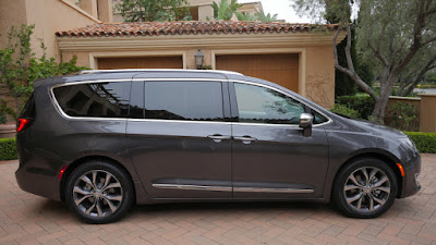 Chrysler Pacifica Hd pictures 0