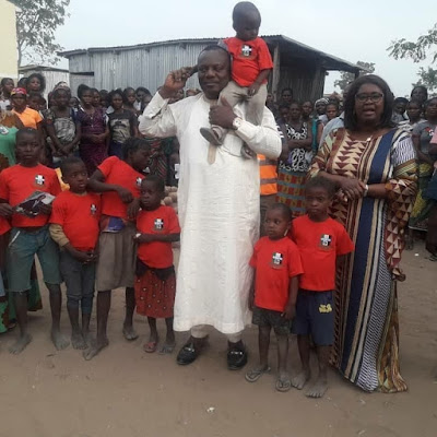 GDPN Presidential Candidate, Dr. Akhimien Visits IDP Camp (photo)