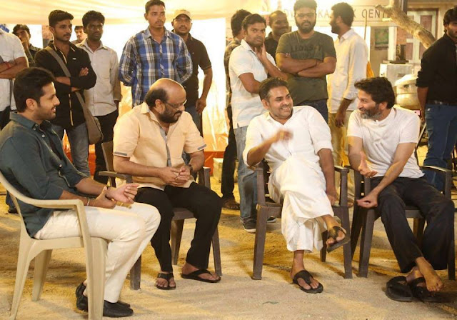 Pawan Kalyan surprises Nithin, Trivikram Srinivas on 'A…Aa' set