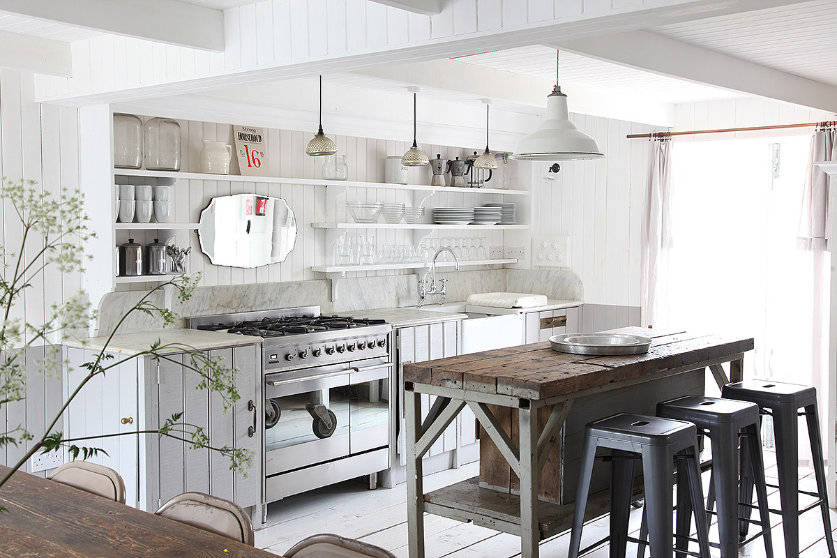 decordemon: The Grey House Camber:Pretty beachside house in Camber ...