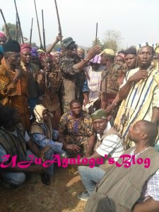 Fayose Meets Local Hunters… Charges Them To Defend Ekiti People Against Fulani Herdsmen (Photos)