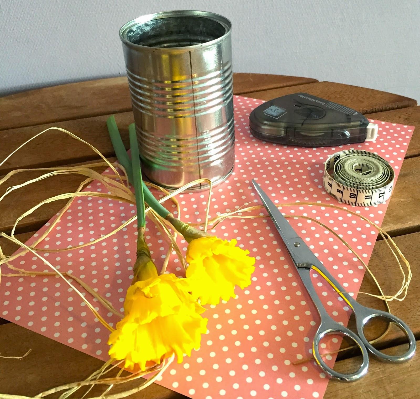 matériel pour vase printanier