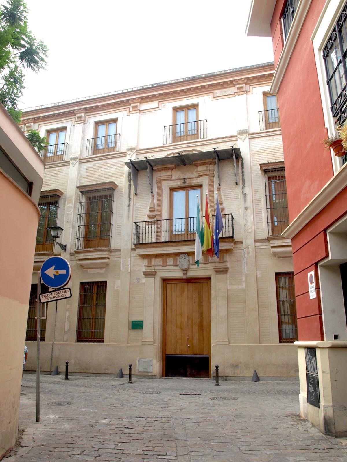 Sevilla daily photo el palacio de los marchelina - La casa de los uniformes sevilla ...