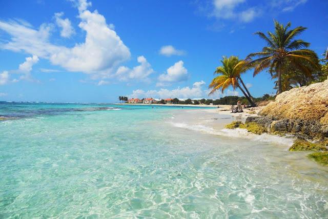 Plage de Saint -Francois - Grande Terre en Guadeloupe