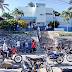 ENRIQUILLO: En ausencia de no haber Policías en el Destacamento del Municipio, más de 200 ciudadanos haciendo justicia con sus propias manos