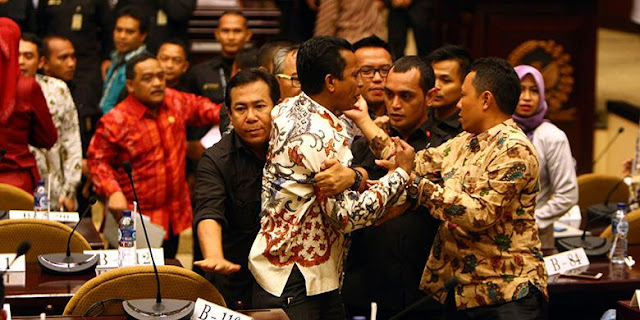 Parpol dan DPR Lembaga Terkorup, DPD Harus Berhenti Mengabdi Pada Parpol
