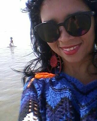 Sereia aparece na praia