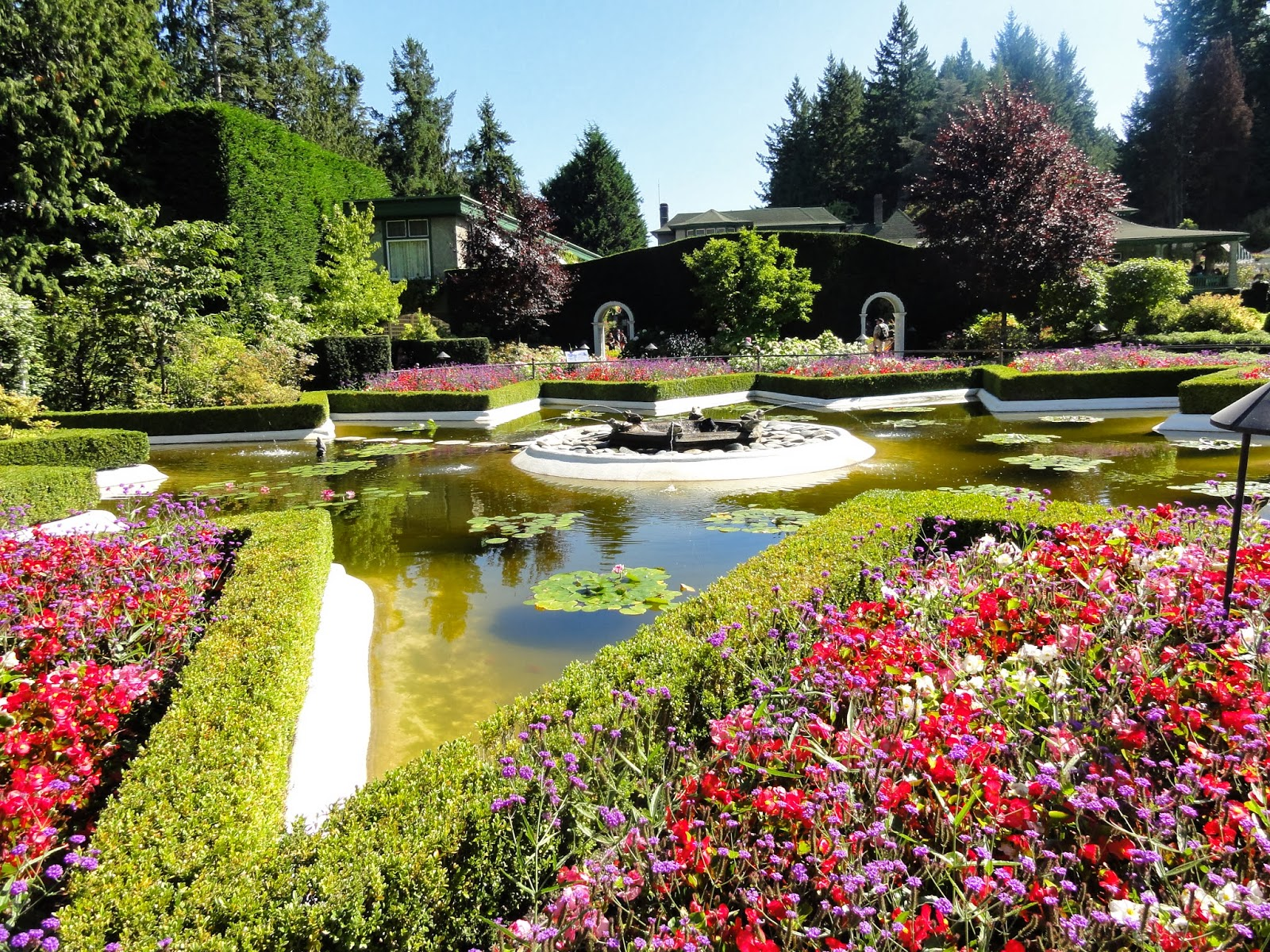 Happy home the butchart gardens - Best time to visit butchart gardens ...
