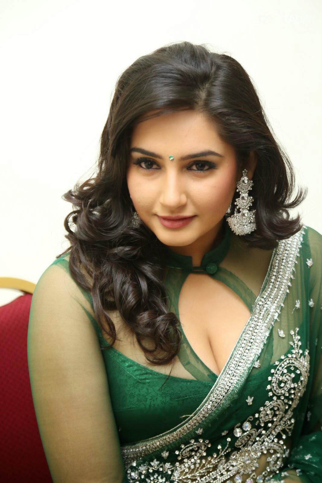 Ragini Bhabhi Beauty Show Photos  Hot And Sexy-9984