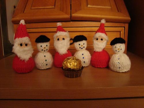 Christmas Knitting Patterns For Ferrero Rocher.Free Christmas Knitting Patterns Snowman And Santa