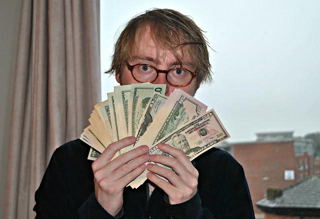 Rich male blogger economy