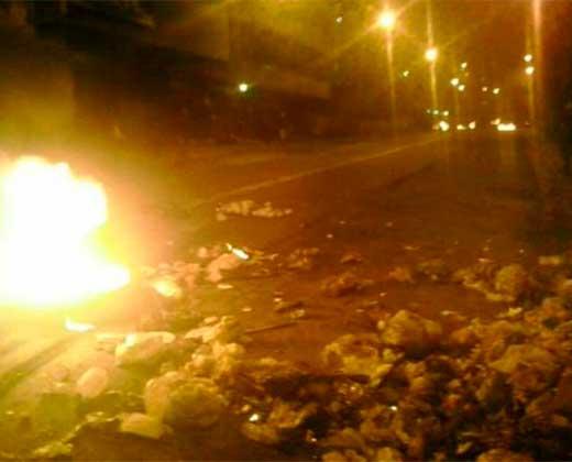 "Los Teques vivió otra noche de disturbios y Capriles responsabiliza a la ""narco cúpula madurista"""