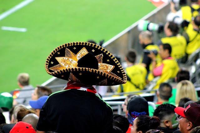 Profitez d'un match de football dans l'un des 2 stades de Guadalajara.