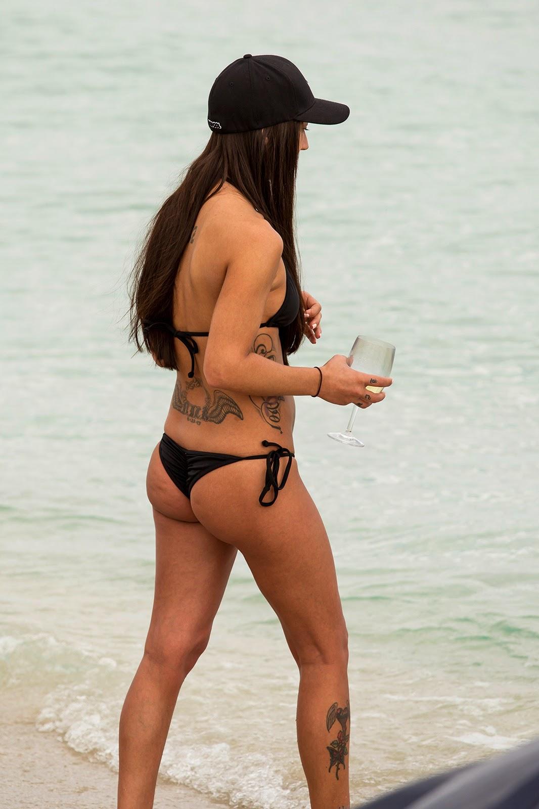 Culos Grandes En Bikini 103