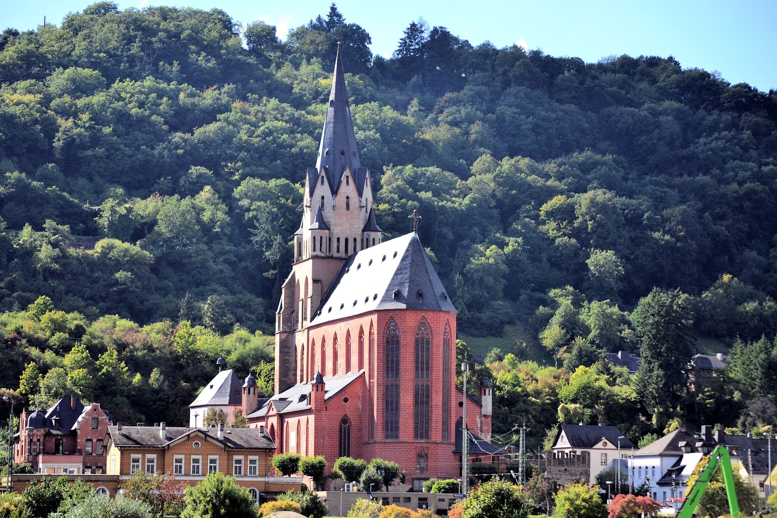 The Catholic Church of Our Lady dates back to 1308 and is home to one of the Rhine's most treasured artifacts—the Golden Altar dating back to the High Gothic.