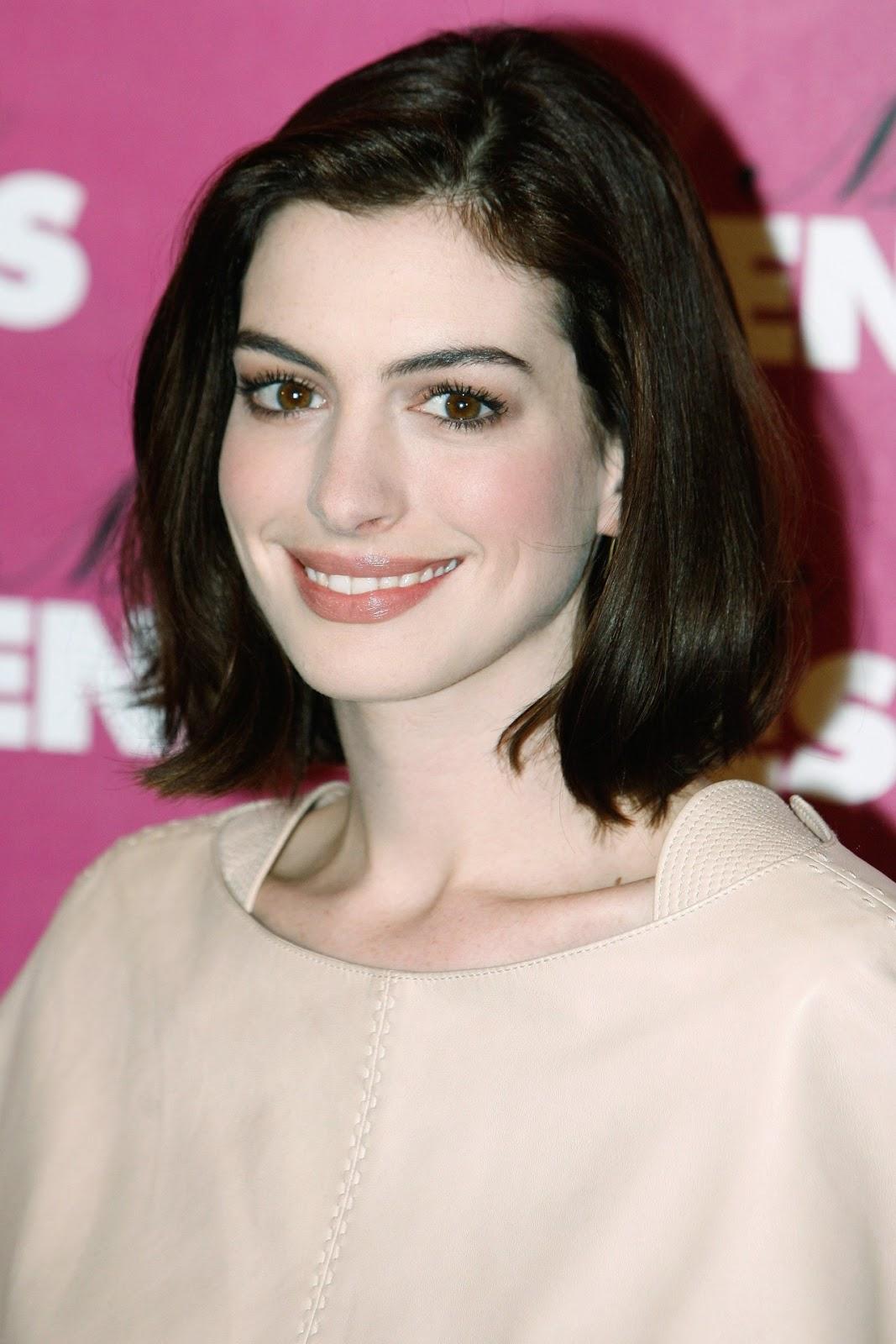 Anne Hathaway Smiling Face Wallpaper, HD Celebrities 4K