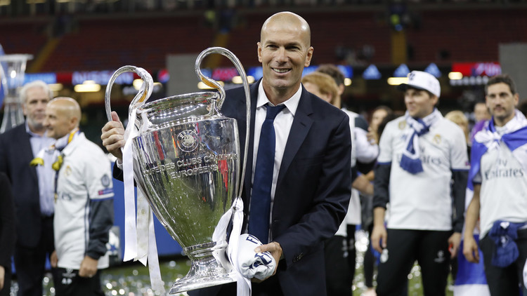 عاجل  تقارير: زيدان يعود لتدريب ريال مدريد  للمزيد من التفاصيل من هناا