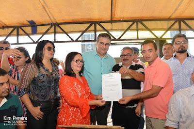 Prefeita assina Ordens de Serviços e anuncia mais obras em comemoração aos 78 Anos de Chapadinha