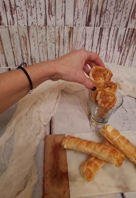 puff-pastry-cones, conos-de-hojaldre-rellenos-de-platano