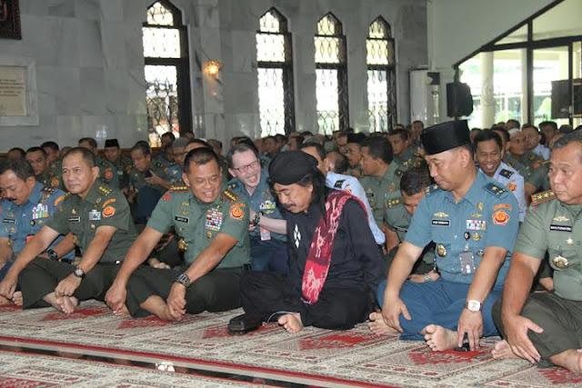 Panglima TNI : Al-Qur'an Mengajarkan Kasih Sayang Antar Sesama Umat Manusia