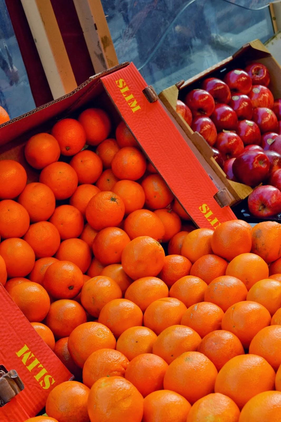 Oranges at a Parisian market
