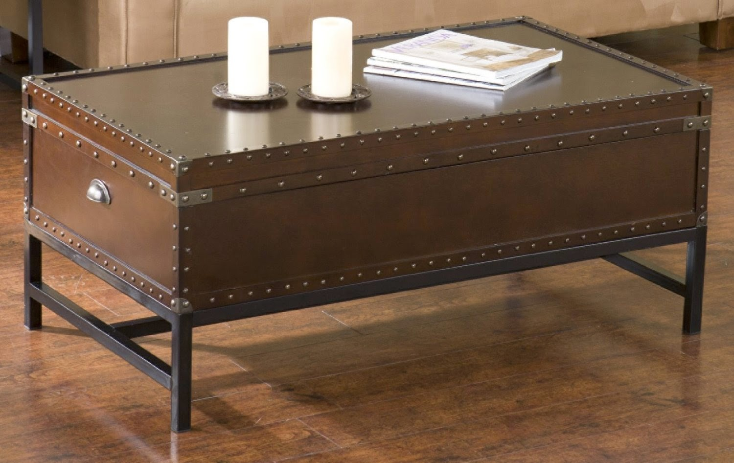 antique coffee table: antique trunk coffee table