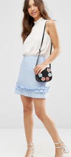 Minifalda de lino con volante bajo para oficina 2017