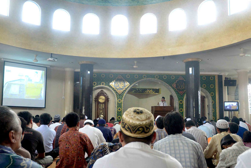 Wapres: Tak Perlu Ada Polisi Awasi di Dalam Masjid