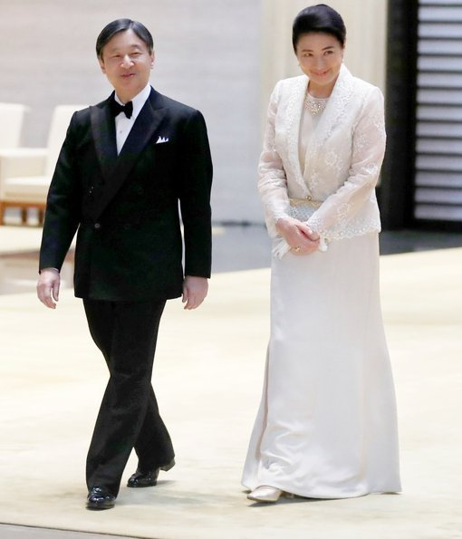 Empress Masako and first lady Melania Trump both wore light dresses. Crown Prince Fumihito, Crown Princess Kiko