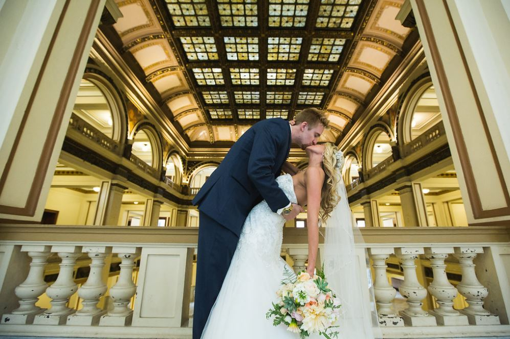 Elope in St Louis: St Louis City Hall Elopement