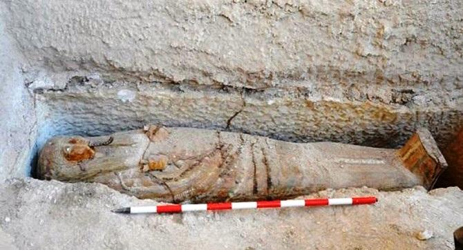 """فتح مقبرة """"خينوة"""" ملكة مصر في القرن السابع قبل الميلاد"""