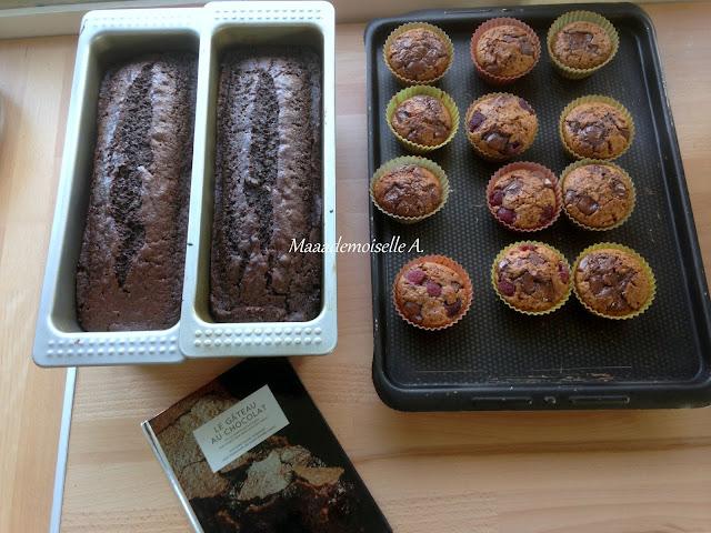 Cakes au chocolat et muffins aux pépites de chocolat véganes