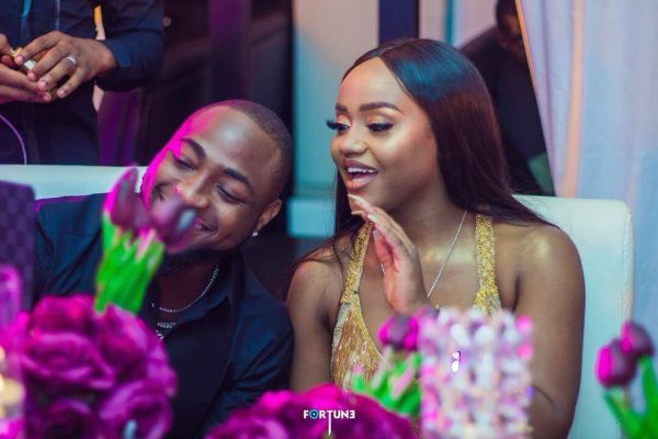 """Chioma Attacks Follower Who Called Davido """"A Frog Voice"""" (Read What She Said)"""