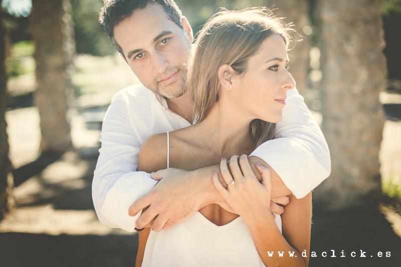 Oscar y Raquel abrazados